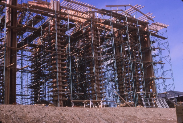 Hackett Blvd April 1965, construction of nave